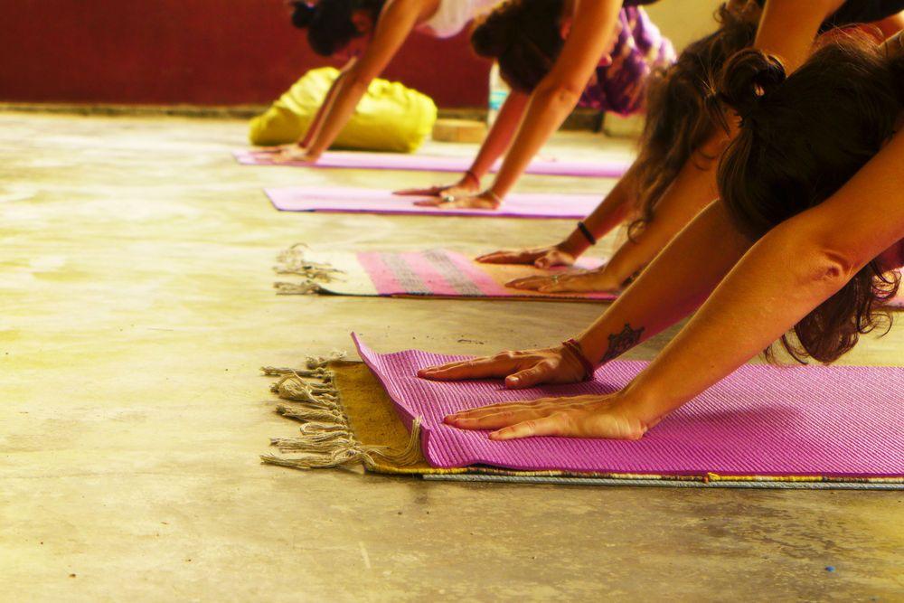 Yoga en Rishikesh. Asociación Merkhaba, viaje fotográfico a India