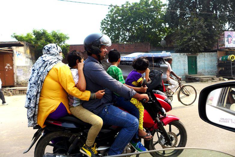 Miradas desde el asombro. Viaje fotográfico a Rishikesh. Asociación Merkhaba.