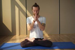 Nacho Kaleta. Profesor de yoga en India. Formación de profesores de yoga en india.
