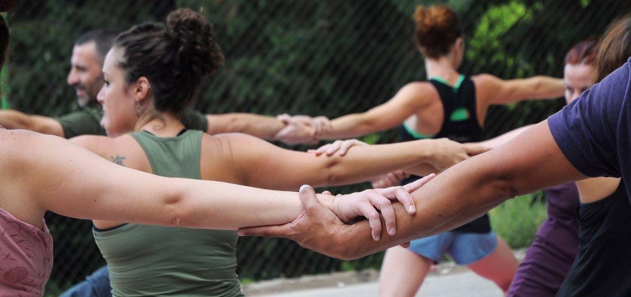 Curso de profesor de yoga, Asociación Merkhaba