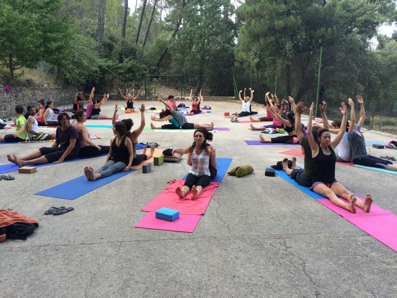 yoga en la naturaleza, cazorla